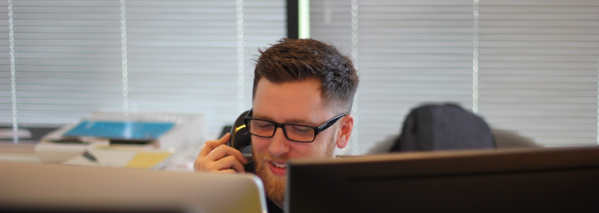 Photo of agent working in call centre