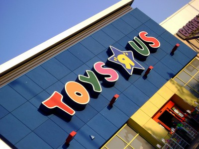 4-New-Store-Marketing-Ideas-from-Toys-R-Us_2538850641-400x300