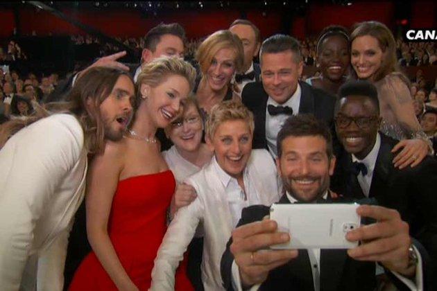 Selfie Oscars avec Smartphone Samsung