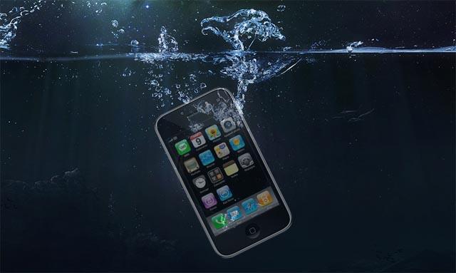 Smartphone tombé dans l'eau