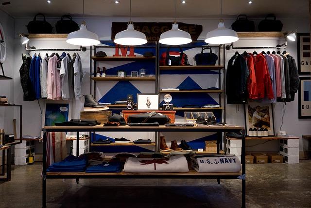 magasin de vêtements pour les soldes